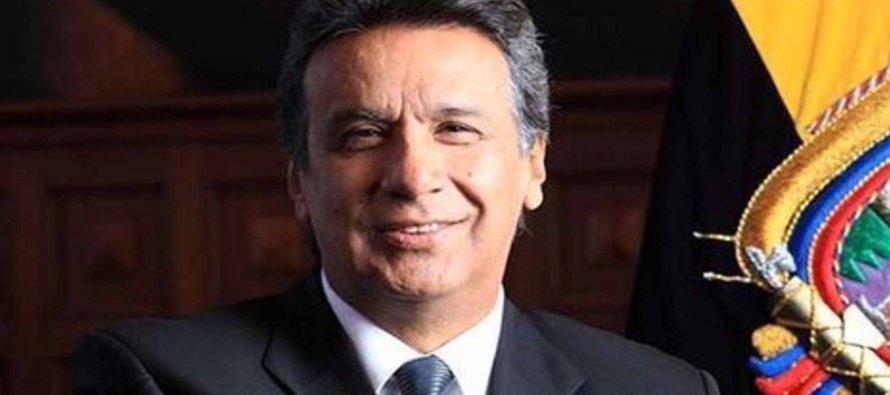 Nacido en 1953 en Nuevo Rocafuerte, una región amazónica de Ecuador, Moreno se crió en el seno de...