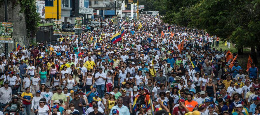 El país está sintiendo las tensiones fundamentales entre el populismo y la democracia que se...