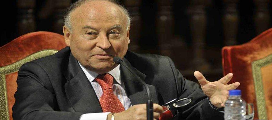 Desde que este economista llegó al CAF en 1991 se han aprobado más de 150 mil millones de dólares...
