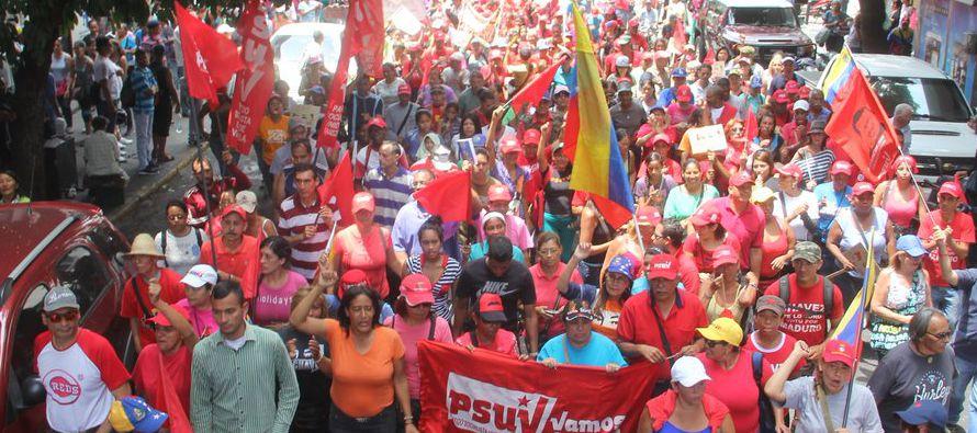 El chavismo se concentró hoy en el centro de Caracas para conmemorar los hechos que el 13 de abril...