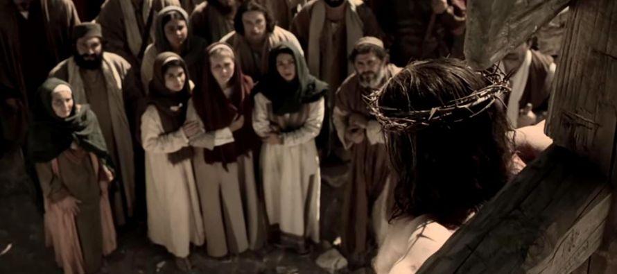 Con María, la única que ha permanecido firme en la fe y en la esperanza después de la trágica...