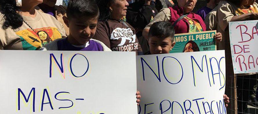 El movimiento integrado por activistas y trabajadores inmigrantes partió de la capital de...