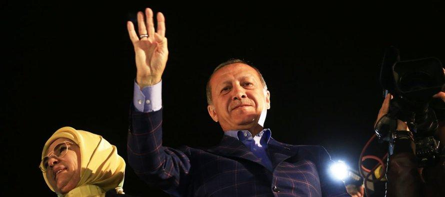 Conociendo la personalidad de Erdogan, agobiado por su inestabilidad, arrogancia y juego a varias...
