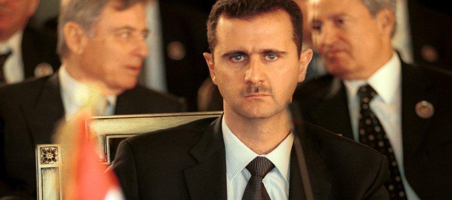 Un alto funcionario militar dijo a la prensa que la inteligencia israelí estima que Assad tiene...