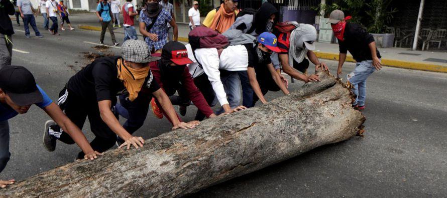 """Nueve Gobiernos de América Latina condenaron hoy """"enérgicamente"""" la violencia registrada..."""