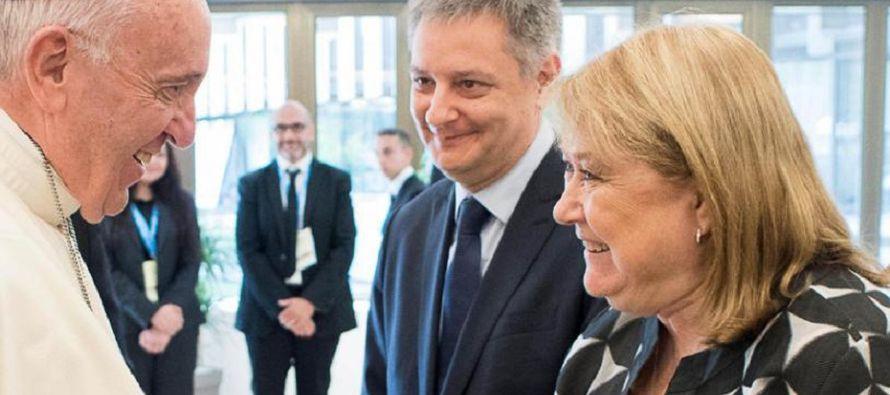 Además de con el pontífice, Susana Malcorra también mantuvo un encuentro privado en el Vaticano con...