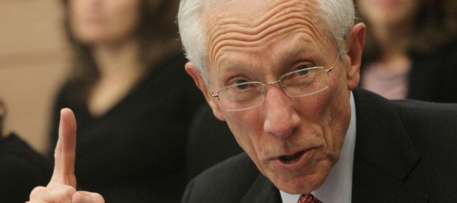 Fischer comentaba así la voluntad expresada por el presidente Trump de revocar la reforma...