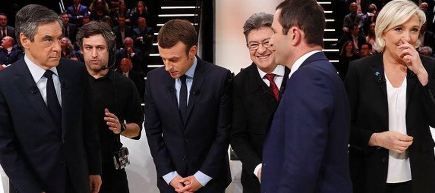 En las publicadas la última semana, el socioliberal Emmanuel Macron, la ultraderechista Marine Le...
