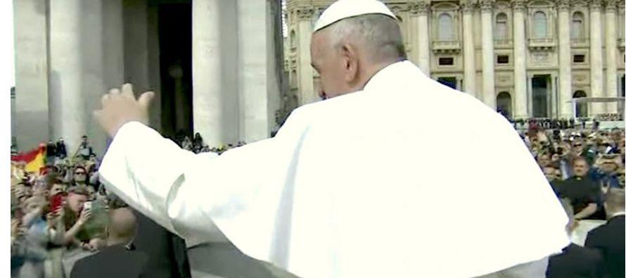 """""""Dios está cerca y camina a nuestro lado"""": Papa Francisco"""
