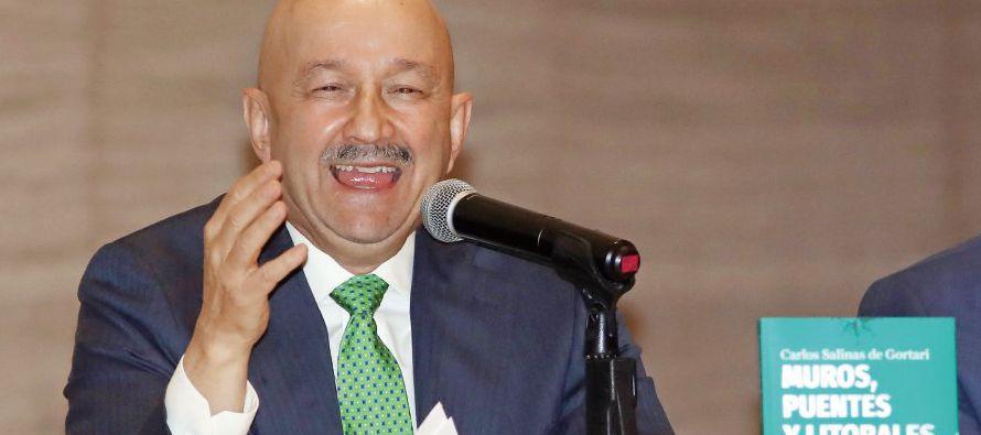 Salinas dice que el liderazgo de EU sabe más de inmuebles que de países