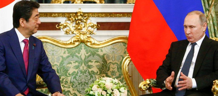 Putin y Abe abogan por pronta reanudación de las negociaciones a seis bandas