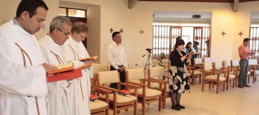 Por su parte, la también griega-católica Yosian Hakim, que fue bautizada en San Cirilo y acude...