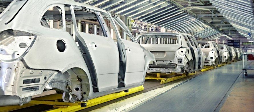 La industria automotriz está enfrentando múltiples desafíos. Las ventas están descendiendo y los...
