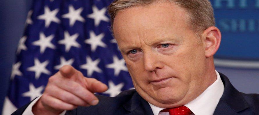 """Spicer agregó que """"el presidente de Estados Unidos señaló de una manera bastante obvia que la..."""