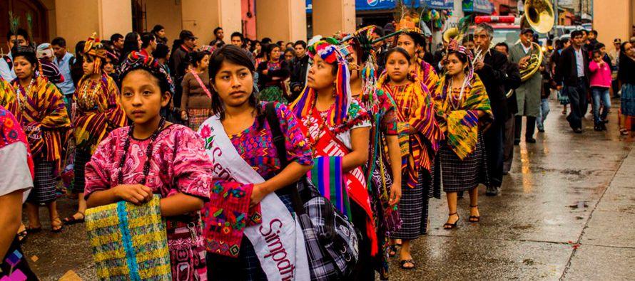 Unos ocho millones de indígenas viven en Guatemala, la mayoría descendientes de la civilización...
