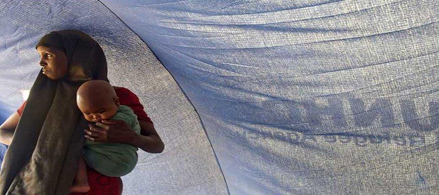 Esos refugiados y migrantes están en riesgo al vivir en un estado de limbo prolongado, hay madres...
