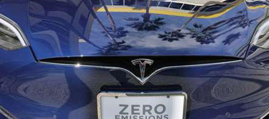 Tesla les dio una breve explicación sobre la confusión y les indicó que los procesos de solicitud...