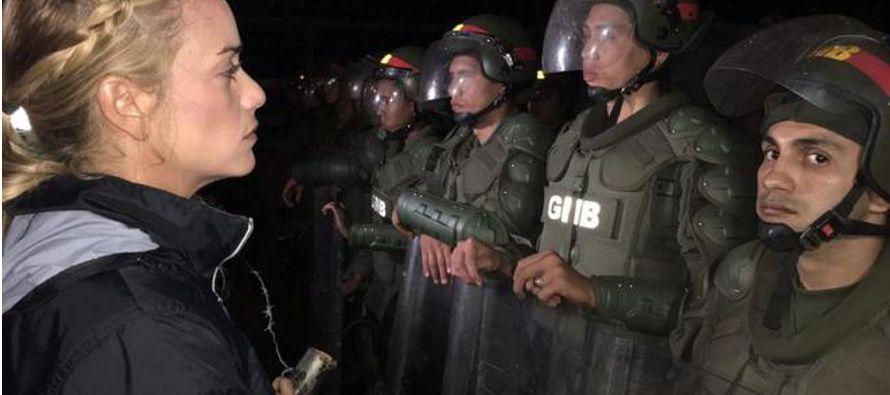 Con una cruel ironía, Diosdado Cabello, uno de los hombres fuertes de Maduro, ha tratado de detener...