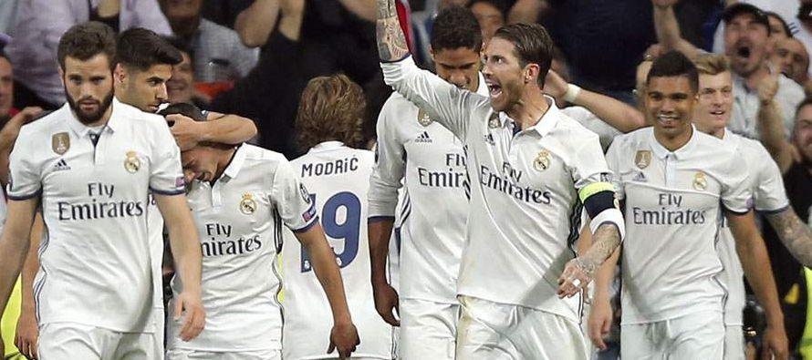 En un emocionante final de temporada, el Real Madrid y el Barcelona están con 84 puntos en la cima...