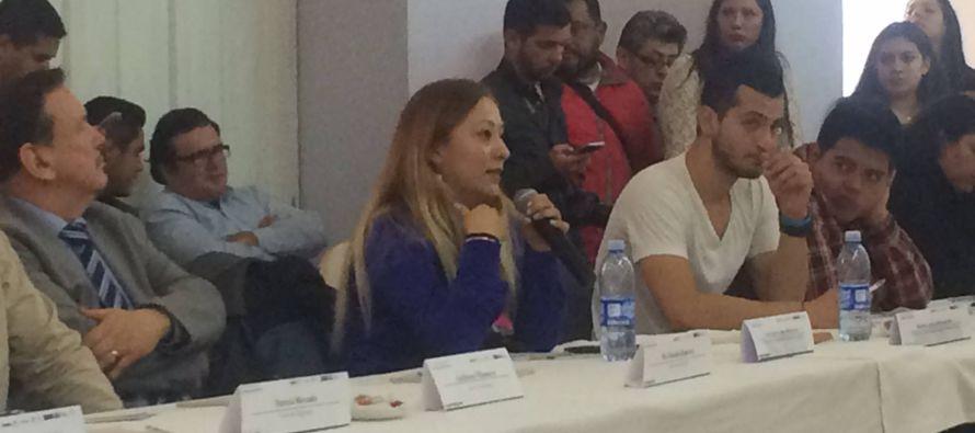 La veintena de deportados que tomaron el micrófono en la Cámara de Comercio de la Ciudad de México...