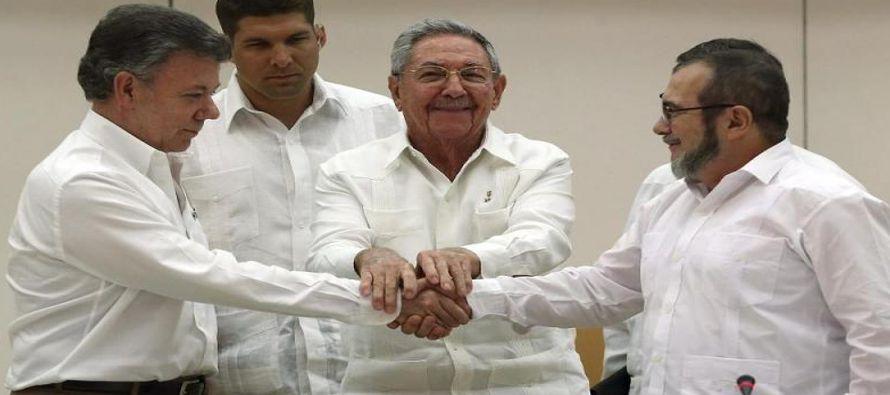 Como medida para iniciar el fin del conflicto, las partes que negociaron el acuerdo de paz en La...