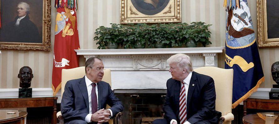 """""""Como presidente quería compartir con Rusia (en una reunión programada en la Casa Blanca),..."""