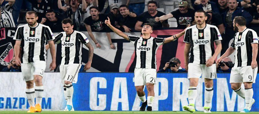 El equipo de Turín se quedará el domingo con la liga italiana por sexto año consecutivo si le gana...