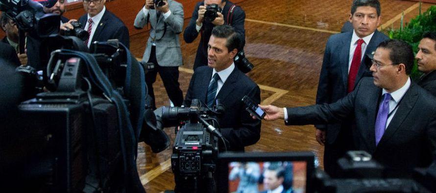 Peña Nieto no ofreció más que el reciclamiento de algo cercano a la nada. Solemne, con semblante...