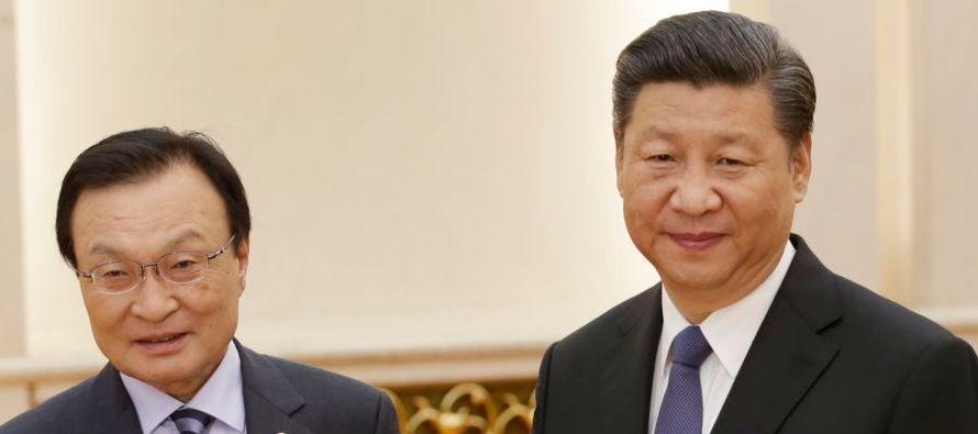 Xi dijo el viernes al representante de Moon, Lee Hae-chan, que su visita muestra la importancia que...