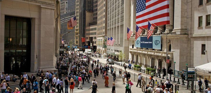 Los fondos invertidos en papeles estadounidenses registraron salidas por 8,900 millones de dólares...