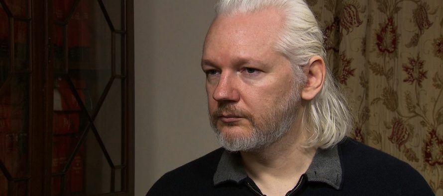 El fundador de Wikileaks, Julian Assange, dijo el viernes que estaba preparado para conversar con...