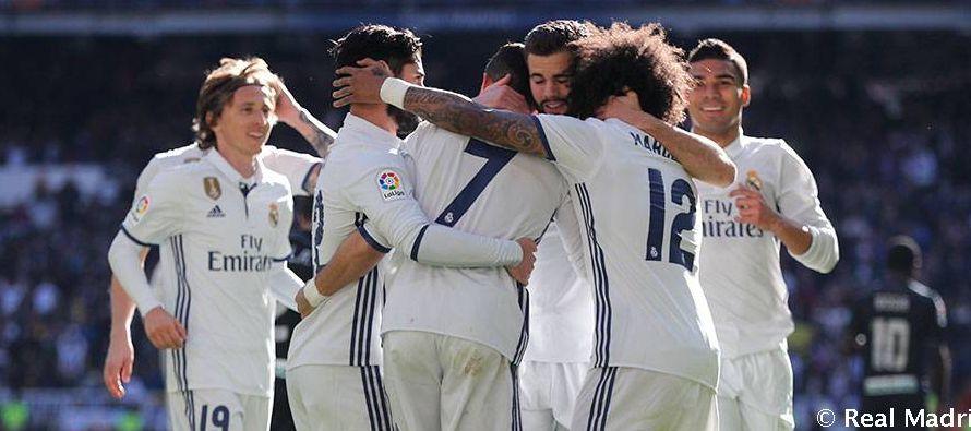 El Madrid lidera la clasificación con 90 puntos, tres más que el Barcelona, por lo que la única...