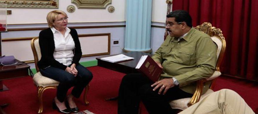 En los últimos meses, la chavista Luisa Ortega viene mostrando gestos de discrepancia con la deriva...