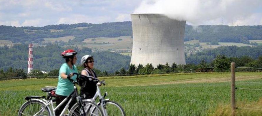 Los suizos votan por un futuro energético sin centrales nucleares y con más renovables