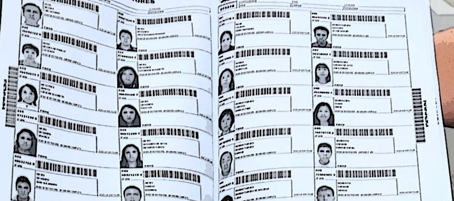 El conteo final de la votación para renovar al gobernador mexiquense registraba lento avance y...