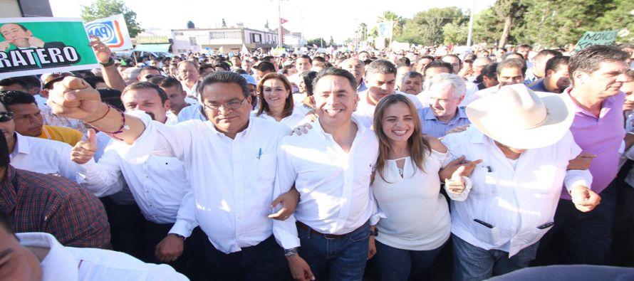 El grupo opositor, llamado Frente por la Dignidad de Coahuila, afirma que el 20% de los paquetes...
