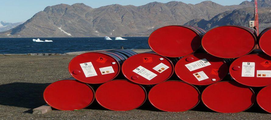 Los precios del petróleo tocaron el jueves mínimos en seis meses, y acumulan un descenso de más del...