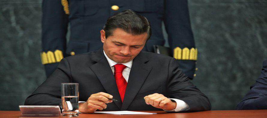 Lo que Peña ha hecho es aumentar otra vez los gastos de operación del gobierno, disecar a Pemex,...