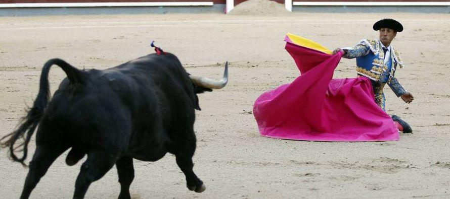 Fandiño llegó a la fiesta desde su natal Orduña, donde había más pelotaris que aficionados a los...