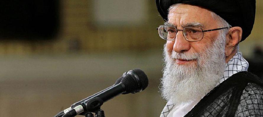 En su discurso del domingo, Jamenei dijo que cualquier esfuerzo para desestabilizar al país...