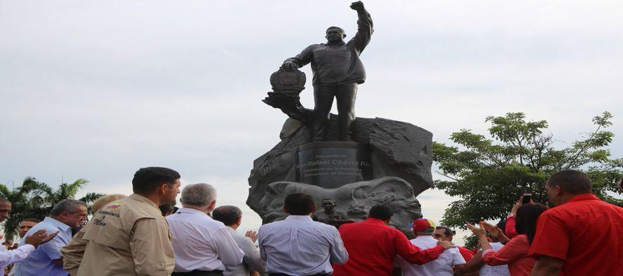 Sabaneta, rodeada por llanuras fértiles y hogar de casi 40,000 personas, es un lugar políticamente...