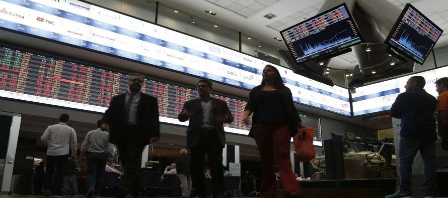 El tono negativo del mercado ganó fuerza después de que la Comisión de Asuntos Sociales del Senado...