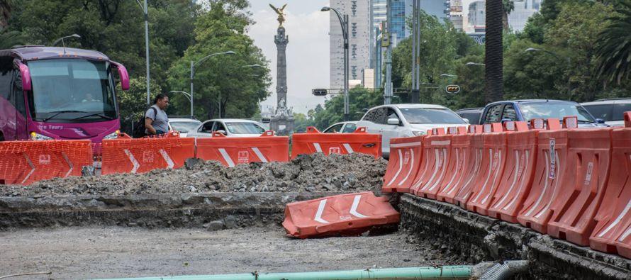 El Metrobús en la avenida más emblemática de México divide a los capitalinos
