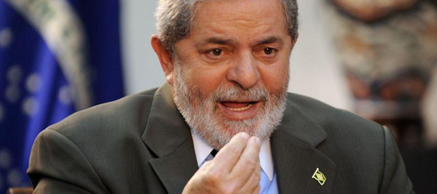El sondeo publicado en el Folha de S.Paulo y elaborado por Datafolha consultó a votantes sobre ocho...