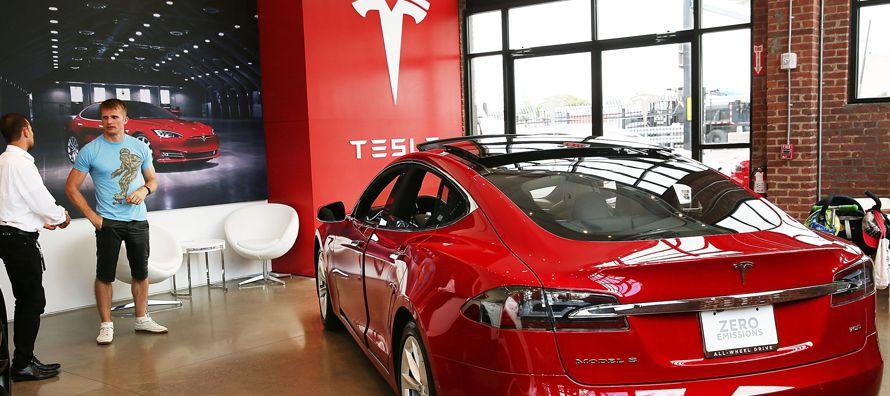 La mayoría de los inversionistas está enfocado en las perspectivas para el Model 3, mientras...