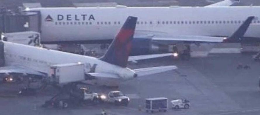 El avión regresó a Estados Unidos debido al altercado durante el vuelo detallado por...