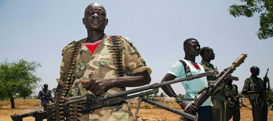 UNICEF estima que cerca de 2,2 millones de niños en Sudán del Sur no van al colegio,...