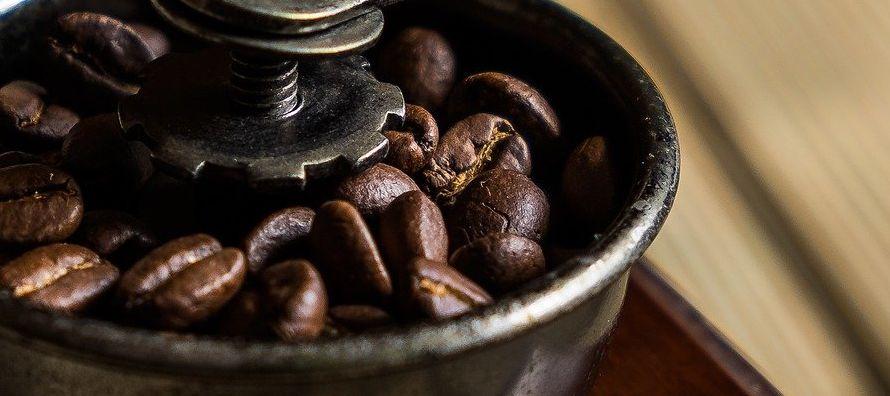 El volumen de café en manos de inversores privados en Brasil a fines de la temporada...