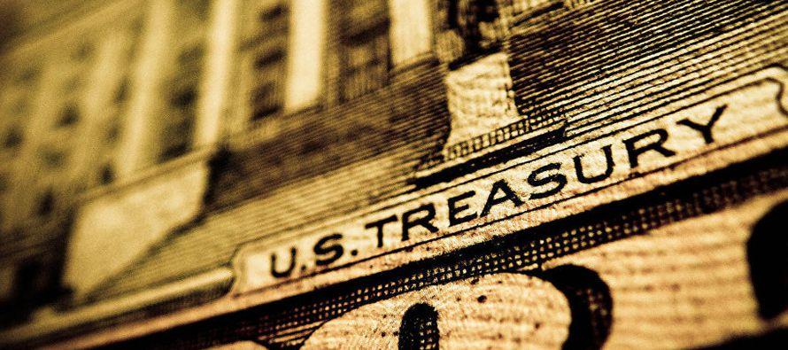 El Tesoro afirmó que los gastos para pagos a militares, beneficios para veteranos y otros...