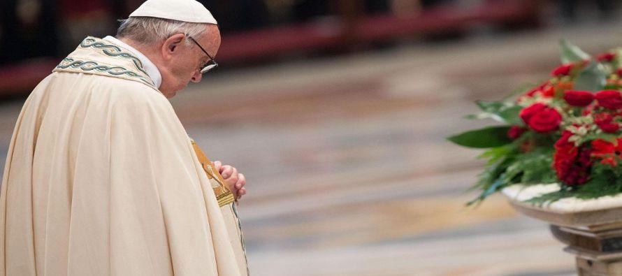 El cartel fue entregado al Papa recientemente por el psicólogo italiano y autor de obras de...